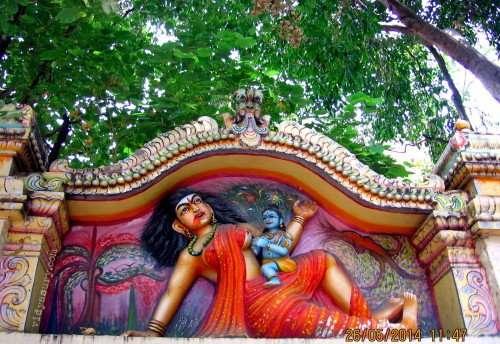 Da dove deriva il termine spregiativo Putana o Puttana Krishna-Janmashtami-3-500x344